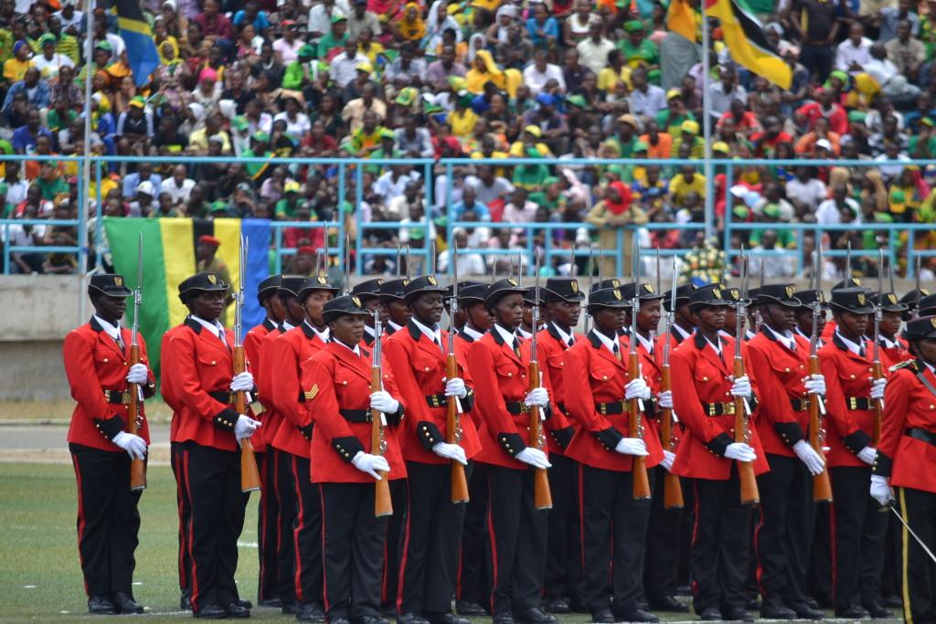 3.Jeshi la ulinzi la Tanzania lilivyopendeza siku hiyo ya Novemba 5,2015.