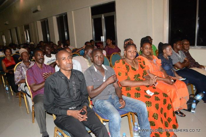 3.Baadhi ya wakumbe kutoka mikoa mbalimbali hapa nchini wakifuatilia kwa makini taratibu zilizokuwa zikitolewa na Mwenyekiti wa Kamati ya Uchaguzi.