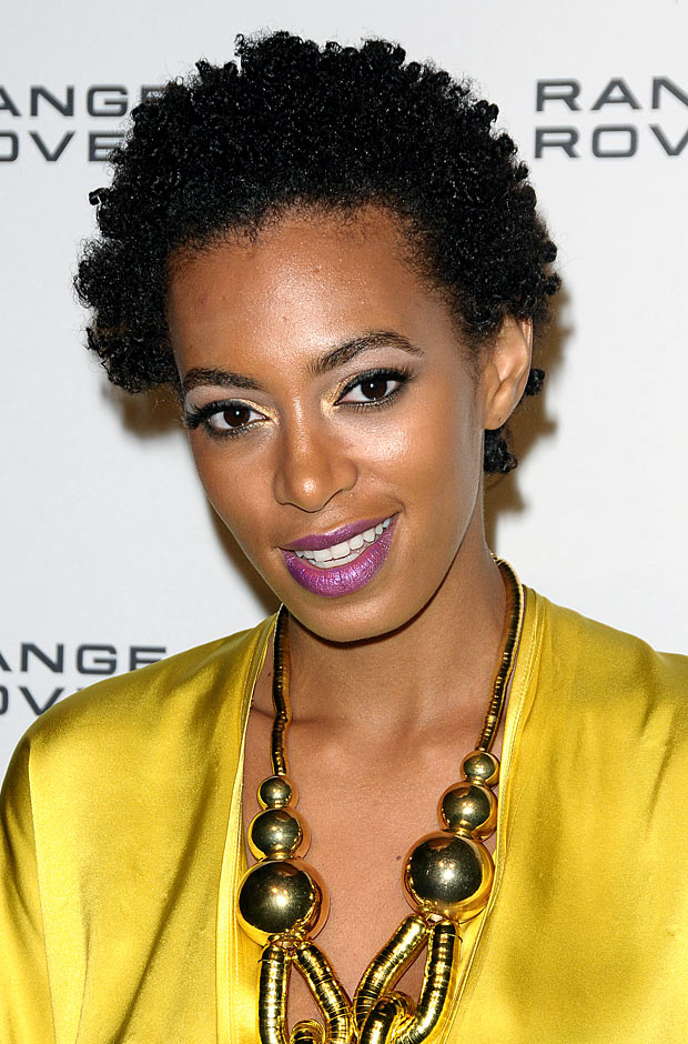 solange-knowles-hairstyle-620kb011311