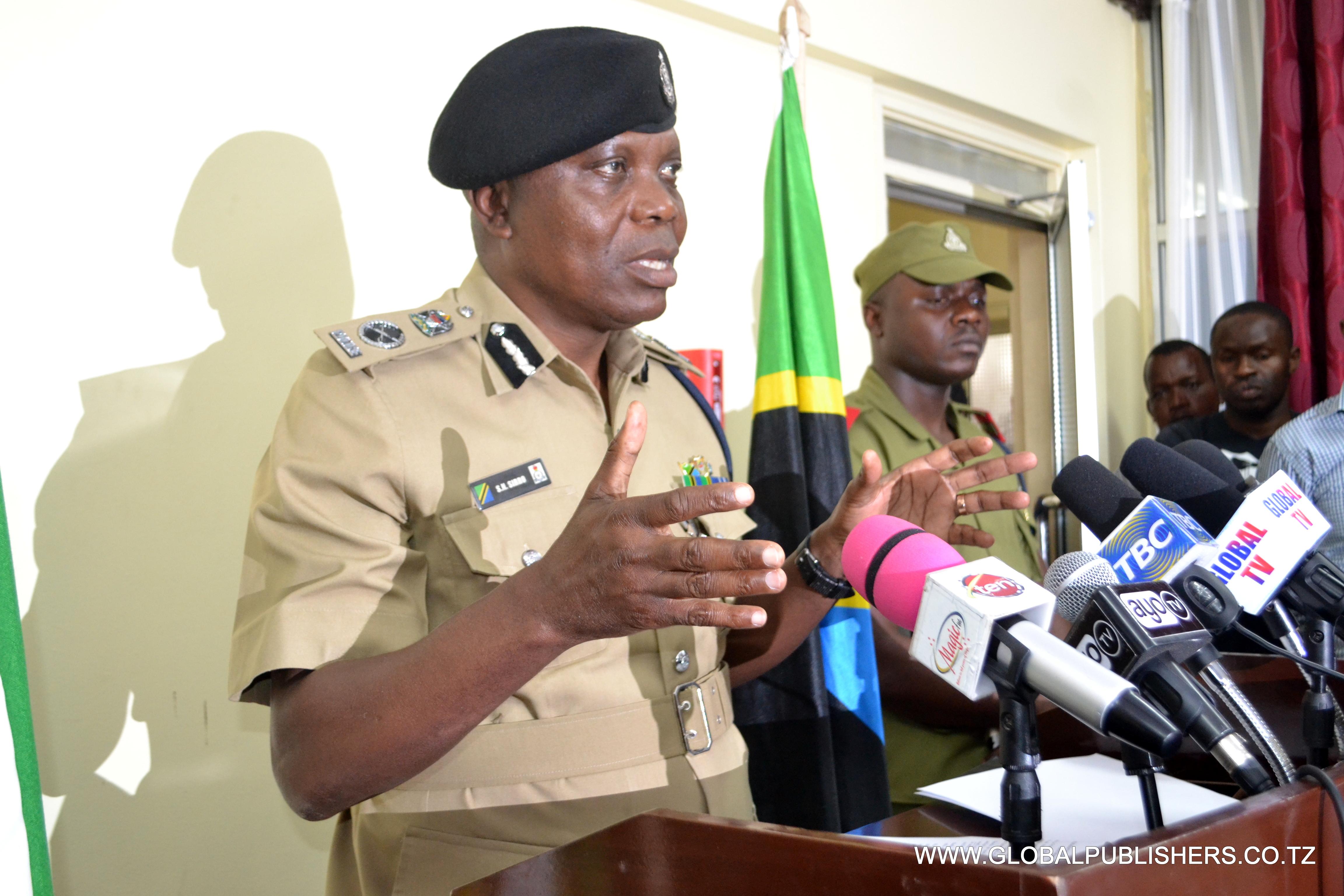 1.Kamishina wa Polisi Kanda Maalum Dar es Salaam, Simon Sirro akiongea na wanahabari(hawapo pichani).