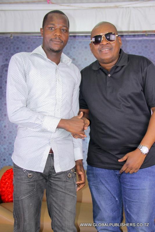 Professor Jay ndani ya Global (5)