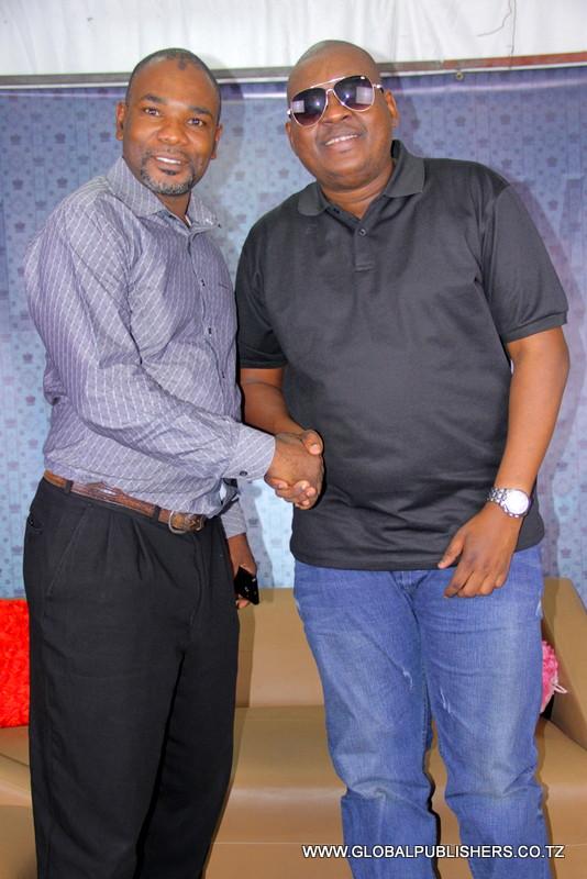 Professor Jay ndani ya Global (6)