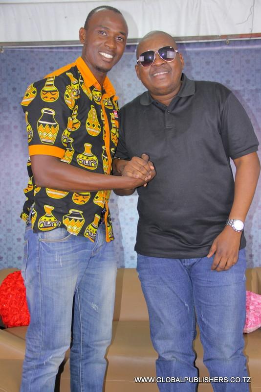Professor Jay ndani ya Global (9)