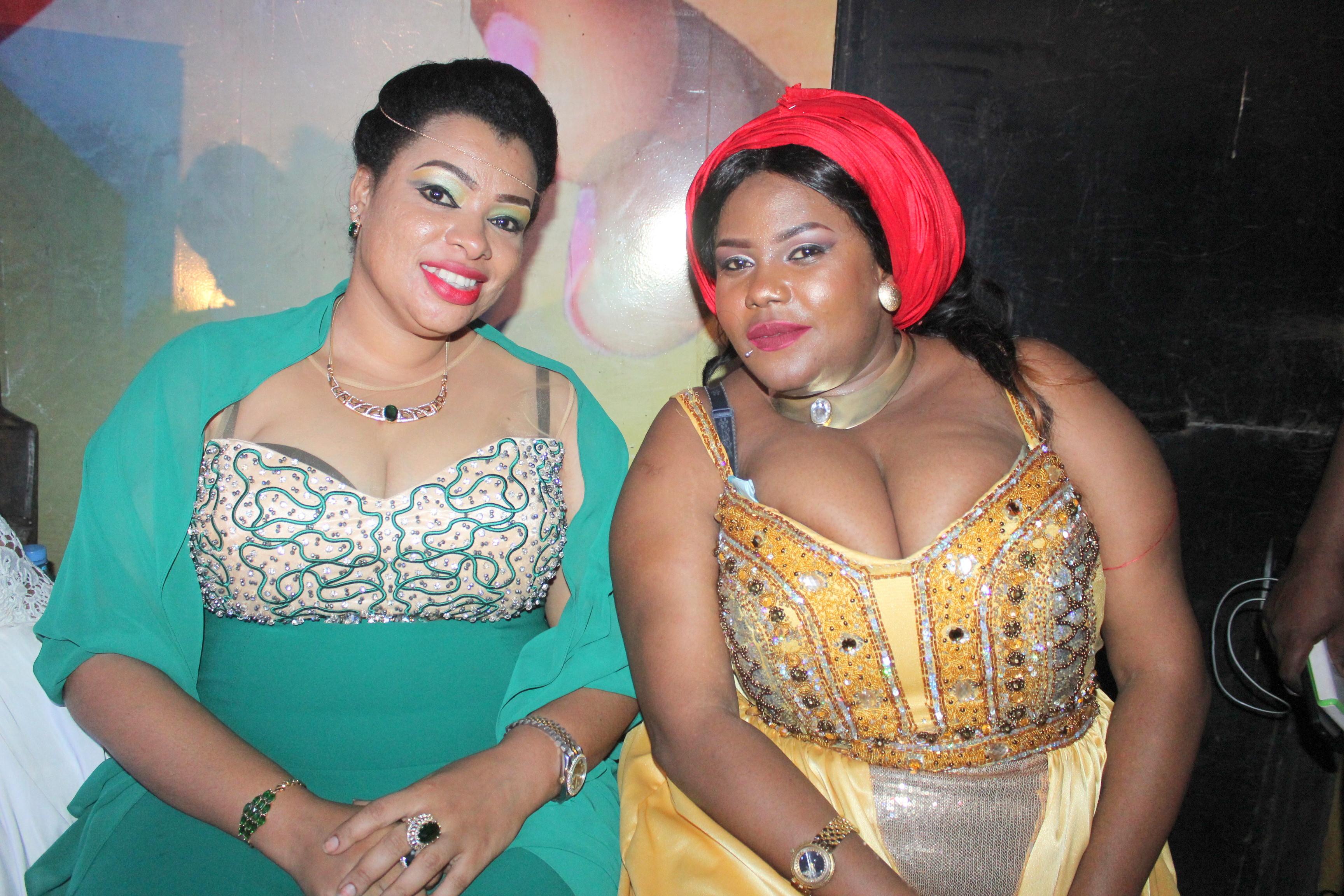 theNkoromo Blog: MPAMBANO WA ISHA MASHAUZI NA MALKIA LEYLA DAR LIVE  ULIVYONOGA