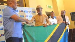 nape-nnauye-akimkabidhi-bendera-ya-kuiwakilisha-tanzania-abdul-diamod-1