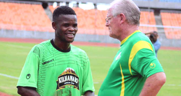 Donald Ngoma amvuta Chirwa Azam